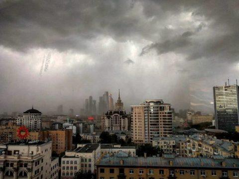 Любые природные катаклизмы, как и пронесшийся вчерашний ураган, заставляют задуматься о величии и могуществе Создателя