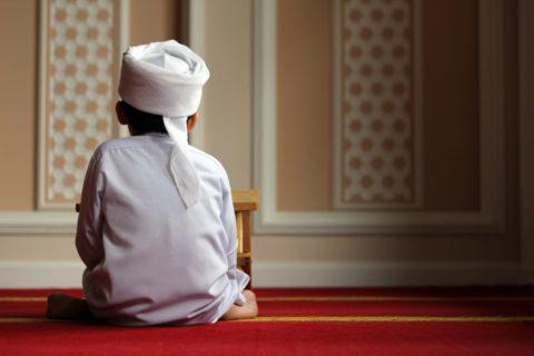 «Повелевайте детям вставать на молитву с семи лет»