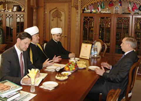 Муфтий Шейх Равиль Гайнутдин направил поздравления в связи с назначением полномочных представителей Президента РФ
