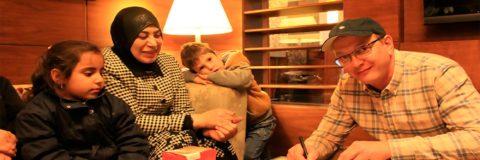 Марат Башаров в Ливане оформил опекунство над сирийскими детьми-беженцами