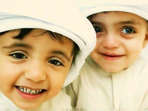 «Улыбка твоему брату есть садака (милостыня)»