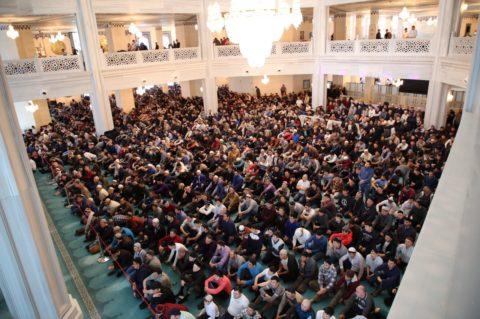 В мечетях Москвы мигрантам рассказали о традициях добрососедства в мегаполисе