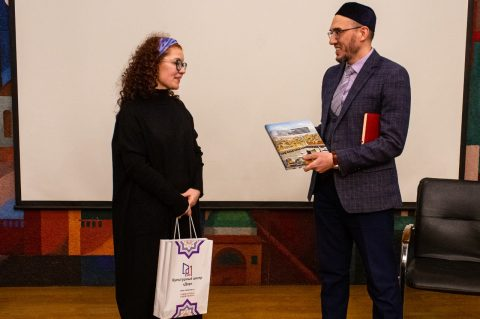 В КЦ «Дар» состоялось открытие литературно-театрального проекта «Тапкитап»
