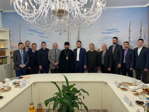 В КЦ «Дар» прошел круглый стол «Религии единобожия: опыт и перспективы взаимодействия идей и последователей в российском обществе»